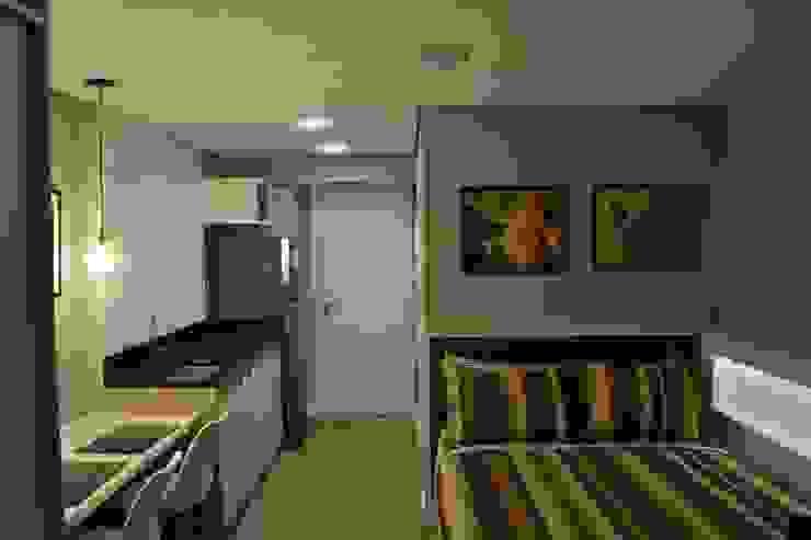 Dormitorios de estilo moderno de homify Moderno Madera Acabado en madera