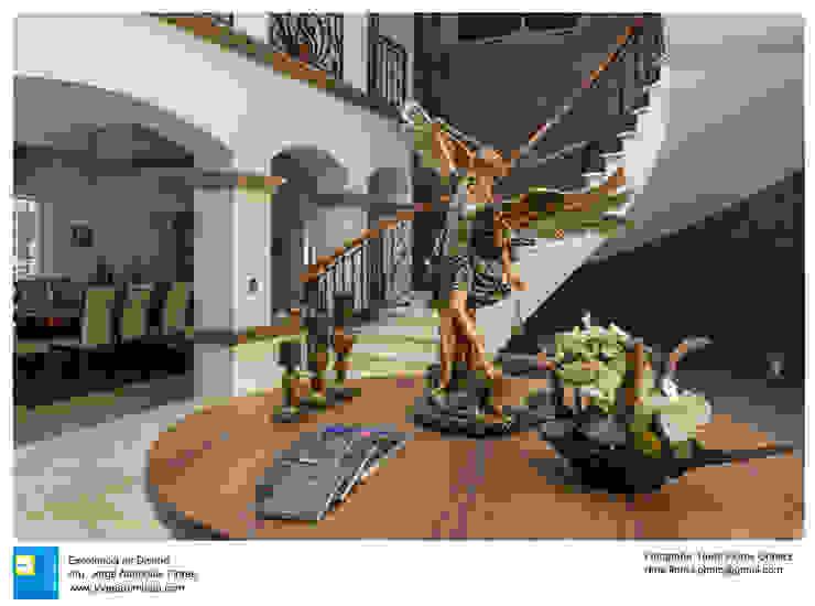 vestibulo y escaleras de Excelencia en Diseño Colonial Hierro/Acero