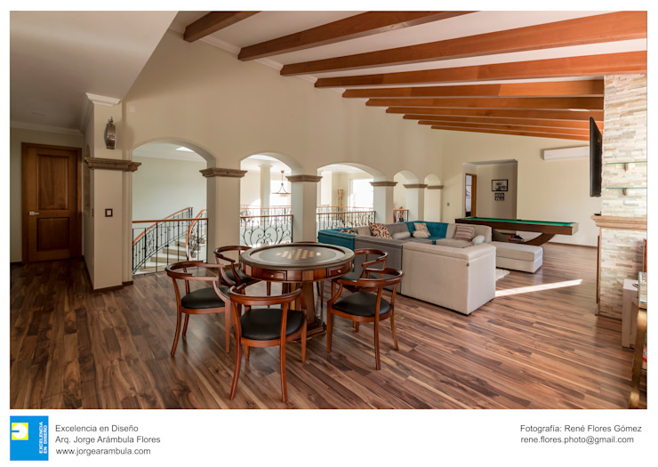 sala de juegos de Excelencia en Diseño Colonial Derivados de madera Transparente
