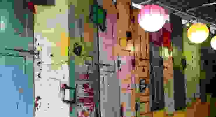 Dezinebox Espacios comerciales Madera Multicolor