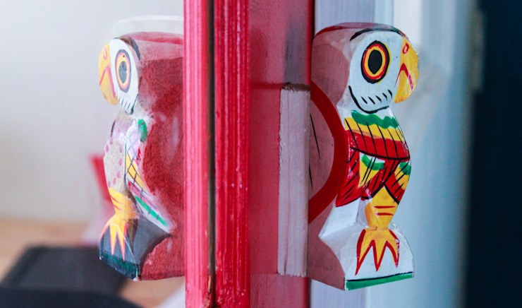 Dezinebox Tiendas y espacios comerciales Madera Multicolor
