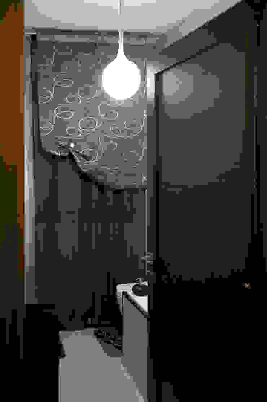 Eclectic style bathroom by Pamela Tranquilli Interior Designer Eclectic