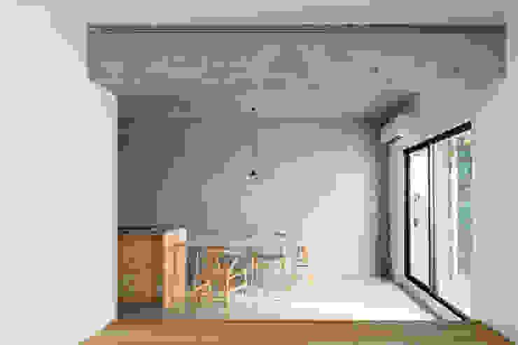 MOR | 東中野の家 モダンデザインの ダイニング の 森孝行建築設計事務所 モダン