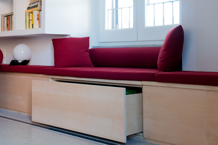 Panca-contenitore-seduta Soggiorno in stile scandinavo di VITAE STUDIO - architettura Scandinavo