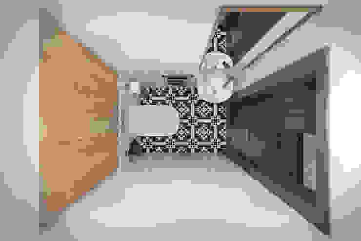 Квартира 55 кв.м. в старом доме на Кожуховской в скандинавском стиле Ванная комната в скандинавском стиле от Студия архитектуры и дизайна Дарьи Ельниковой Скандинавский