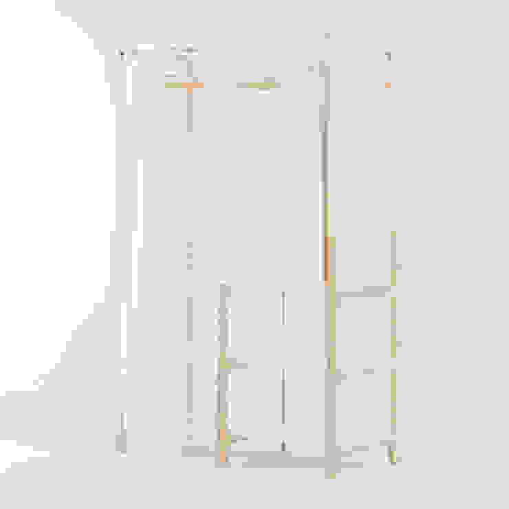 走走衣架: 現代  by GOOZOO DESIGN LTD., 現代風