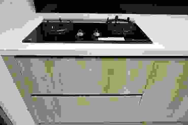 廚房規劃 |廚具設備 |KITCHEN 根據 DOMO德盟櫥櫃設計-台中旗艦店 簡約風 塑木複合材料
