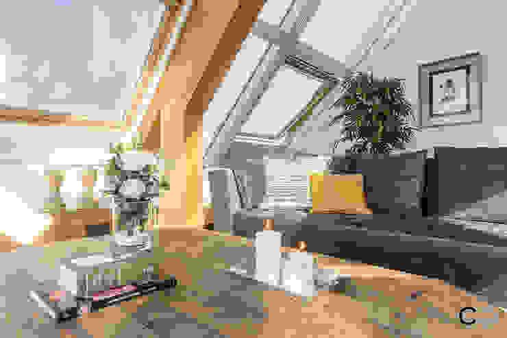 CCVO Design and Staging ห้องนั่งเล่น White