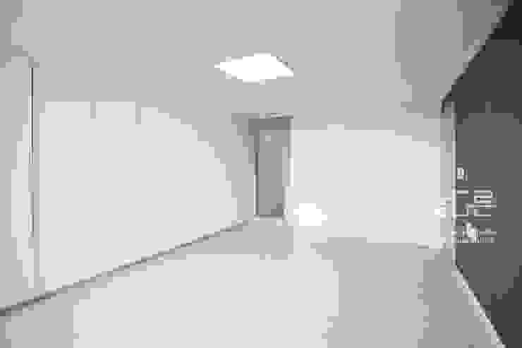 대구 북구 칠성휴먼시아 34평형 모던스타일 미디어 룸 by 남다른디자인 모던