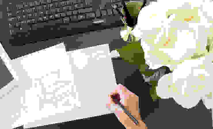 Desenho de produto por ORCHIDS LOFT Moderno