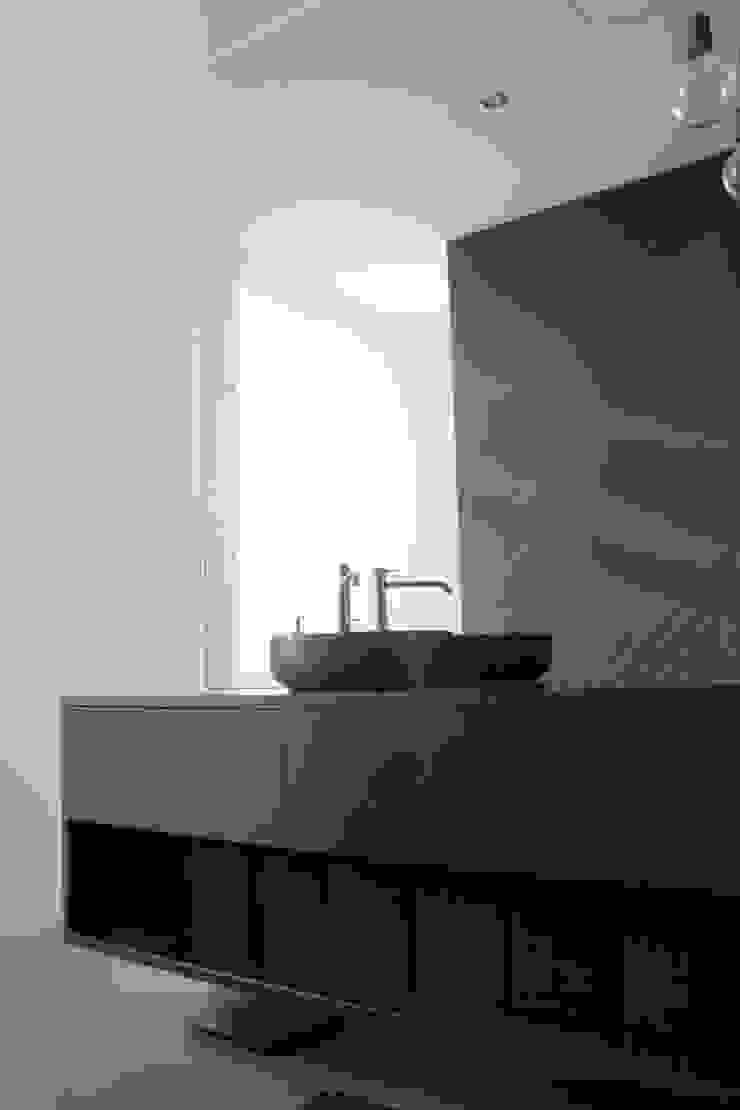 Woonhuis Regentes Moderne badkamers van Bruusk architecten Modern MDF