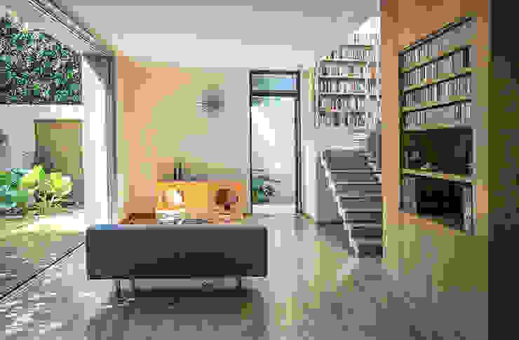 Salon de style  par PAUL CREMOUX studio, Moderne