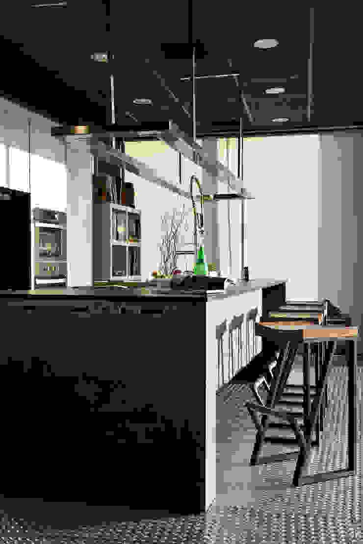 商業展示空間 根據 天埕設計 工業風 大理石