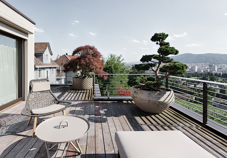 Balcones y terrazas de estilo moderno de meier architekten zürich Moderno