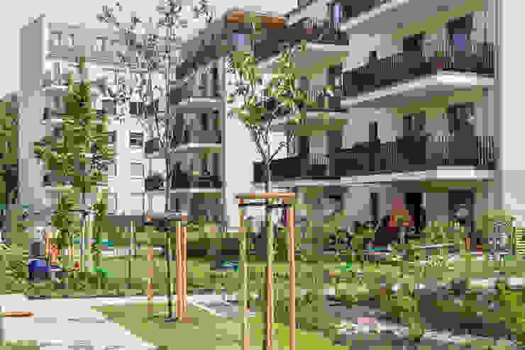 Holzpalais Dresden Gartenansicht MBR Architekten PartG mbB Mehrfamilienhaus Holz Beige