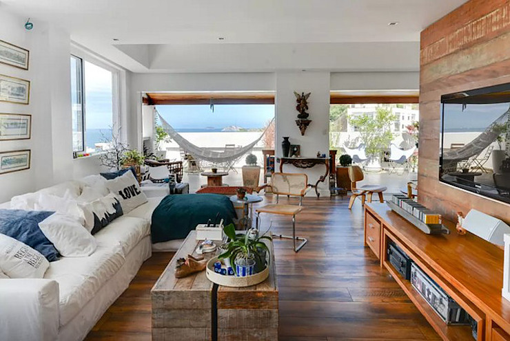 Salon moderne par Maria Claudia Faro Moderne