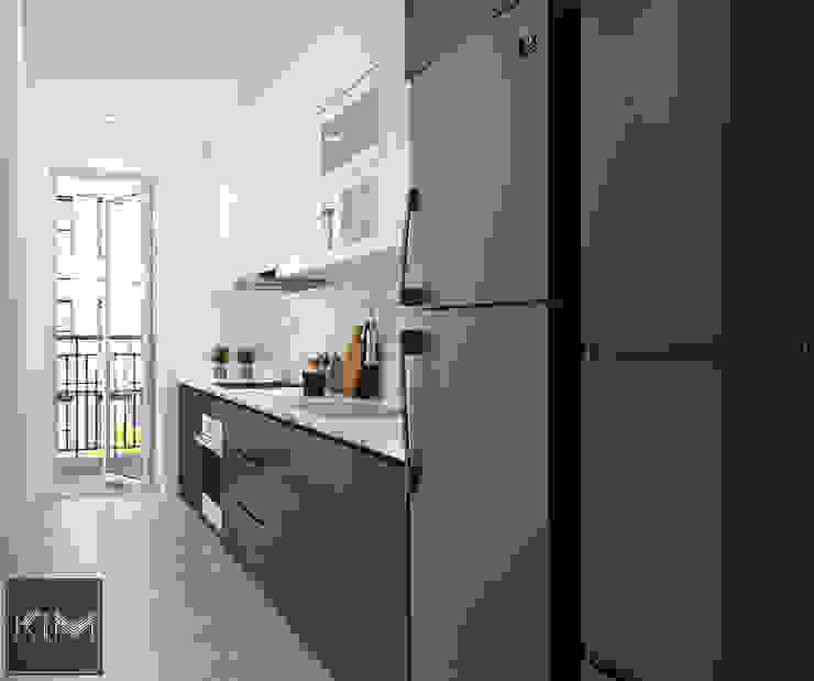 現代廚房設計點子、靈感&圖片 根據 KIM - furniture 現代風