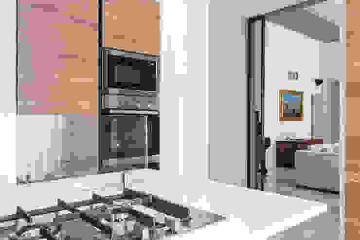 APPARTAMENTO IN PALAZZO D'EPOCA Cucina moderna di Viu' Architettura Moderno