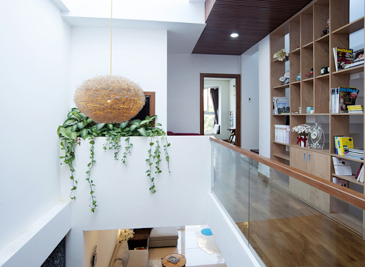 Koridor & Tangga Modern Oleh Công ty TNHH Xây Dựng TM – DV Song Phát Modern
