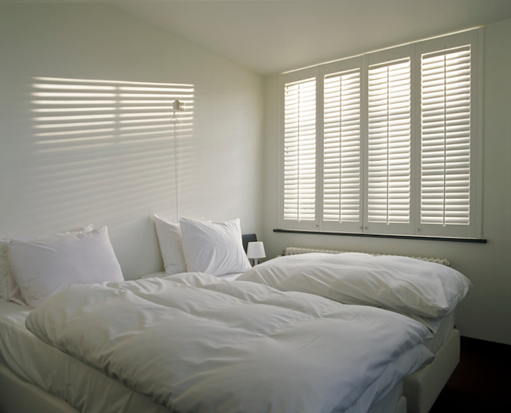 Bedroom Shutters Classic style bedroom by S:CRAFT Classic Wood Wood effect