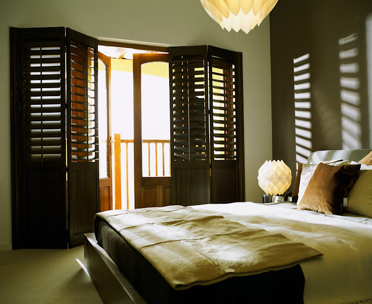 Bedroom Shutters Classic style bedroom by S:CRAFT Classic Solid Wood Multicolored