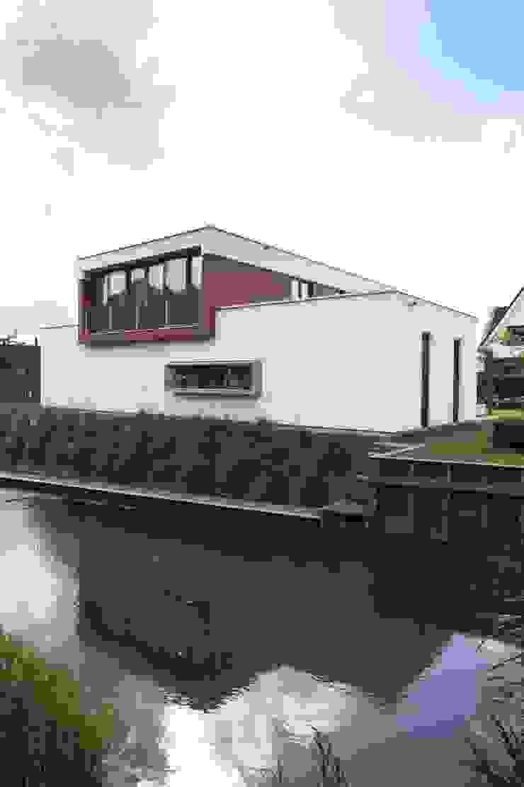 Thijssen Verheijden Architecture & Management Villas Wood White