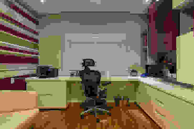 Camila Tiveron Arquitetura Modern study/office