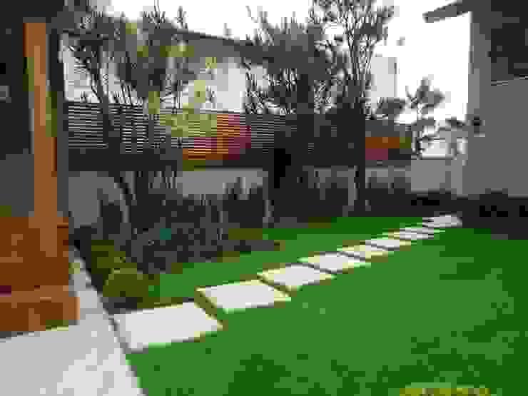Moderner Garten von Camila Tiveron Arquitetura Modern