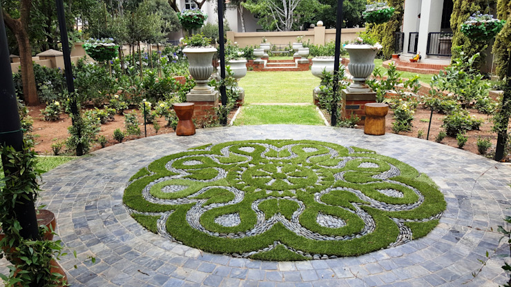 Waterkloof heights:  Garden by Gorgeous Gardens, Classic