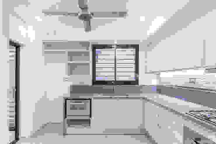 Casa 2C – REFORMA y AMPLIACIÓN Cocinas modernas: Ideas, imágenes y decoración de D'ODORICO arquitectura Moderno