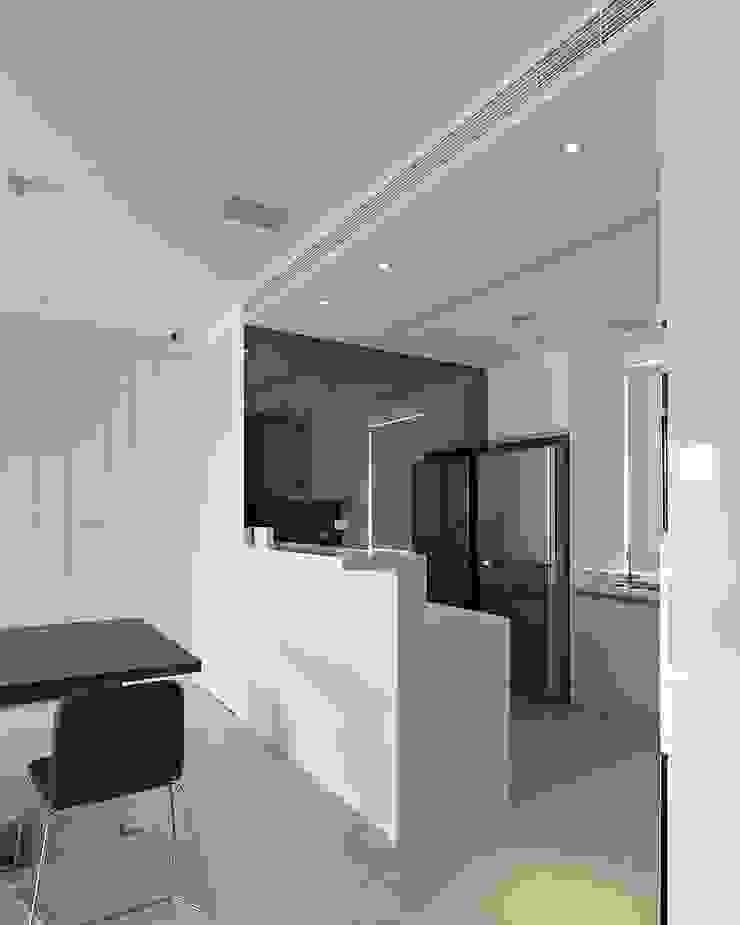Cocinas de estilo minimalista de 禾光室內裝修設計 ─ Her Guang Design Minimalista