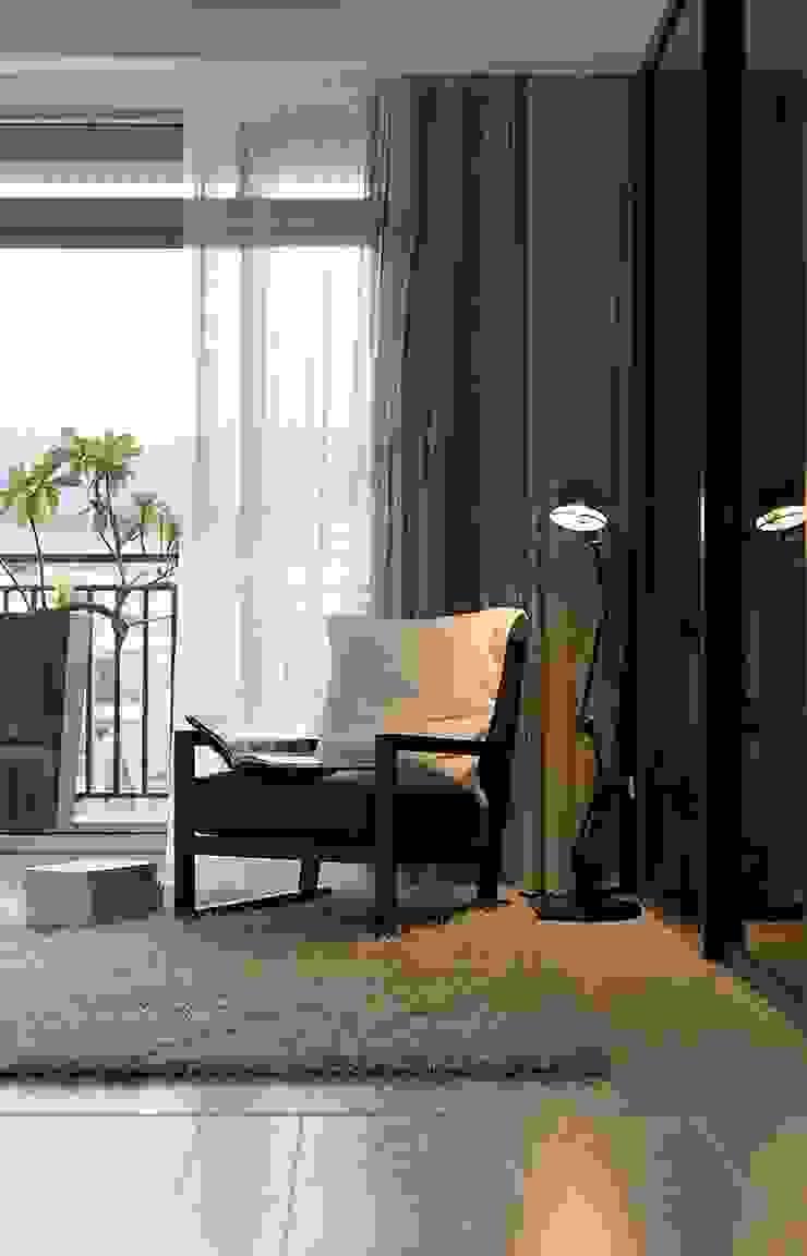 Estudios y bibliotecas de estilo minimalista de 禾光室內裝修設計 ─ Her Guang Design Minimalista