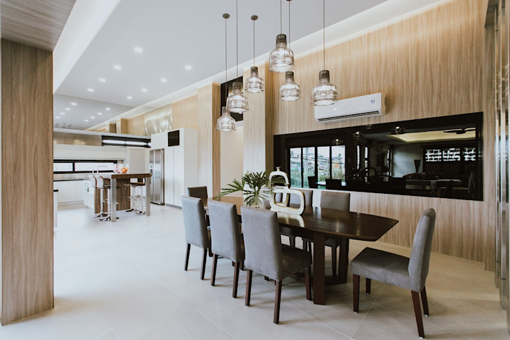 MG House Modern dining room by Living Innovations Design Unlimited, Inc. Modern