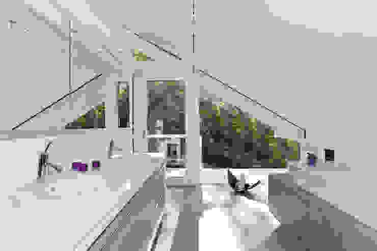 Wellnesshaus bei Bremen DAVINCI HAUS GmbH & Co. KG Moderne Badezimmer