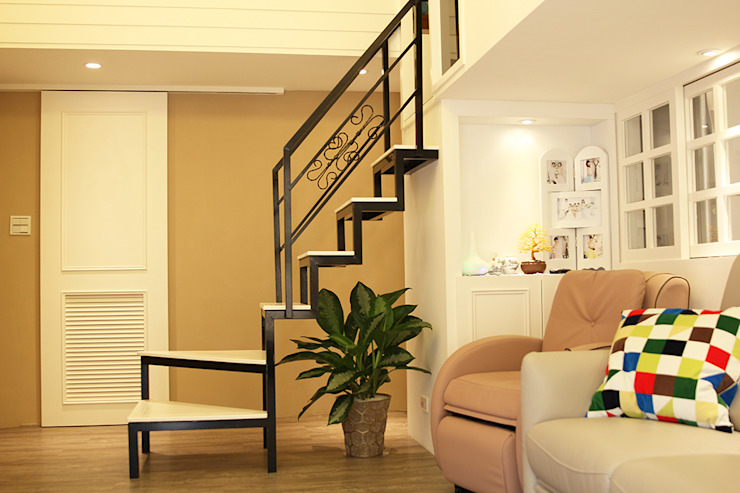 YU SPACE DESIGN Modern living room Iron/Steel White