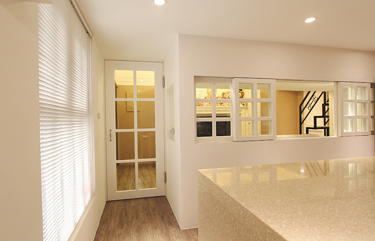 YU SPACE DESIGN Modern dining room Stone Beige