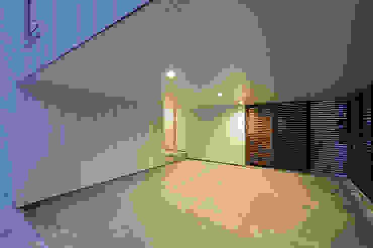 一級建築士事務所 Atelier Casa Scandinavian style garage/shed