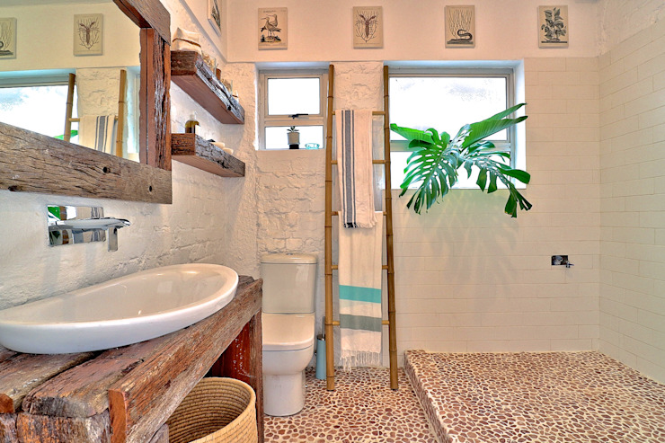 Beach Retreat apartment Eclectic style bathroom by Studio Do Cabo Eclectic