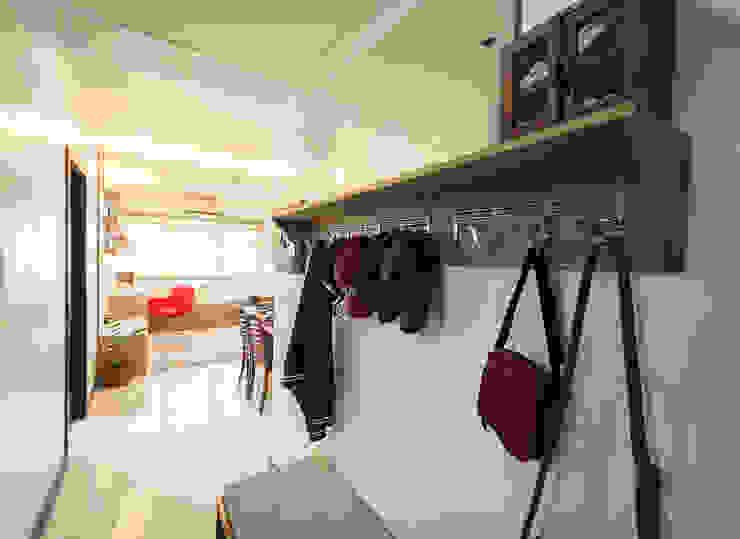 Sonata Private Residences:  Floors by TG Designing Corner
