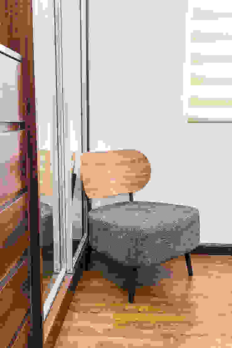 Sonata Private Residences Modern style bedroom by TG Designing Corner Modern