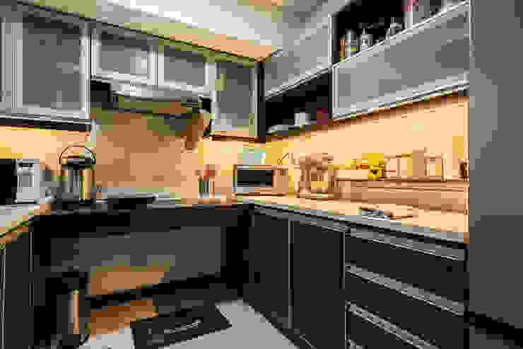 Sonata Private Residences TG Designing Corner Kitchen
