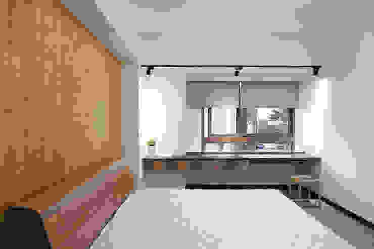 de 森畊空間設計 Asiático Compuestos de madera y plástico