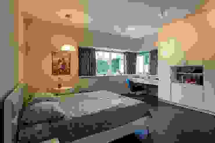 Phòng ngủ cùng yêu cầu giữ mức độ tiện nghi sinh hoạt cao nhất. Phòng ngủ phong cách châu Á bởi Công ty TNHH TK XD Song Phát Châu Á Đồng / Đồng / Đồng thau