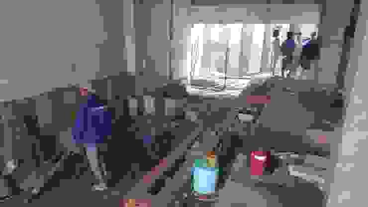 Thi công tại công trình nhà phố 2 tầng 5x20m. bởi Công ty TNHH TK XD Song Phát Châu Á Đồng / Đồng / Đồng thau
