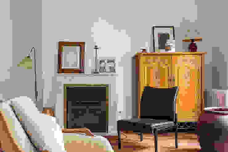 by CABALLERO Fotografía de Arquitectura, Inmobiliaria e Interiorismo Класичний
