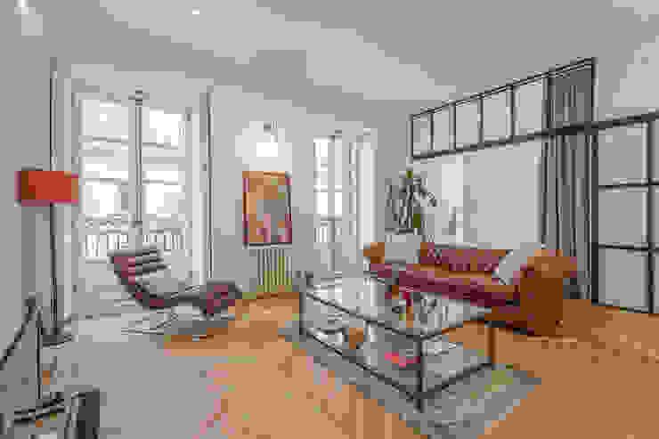 Wohnzimmer von CABALLERO Fotografía de Arquitectura, Inmobiliaria e Interiorismo,