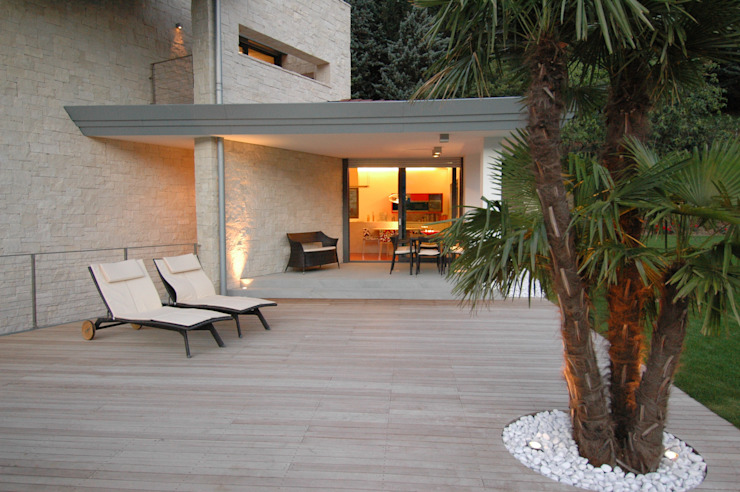 Terrace by Studio Marastoni,