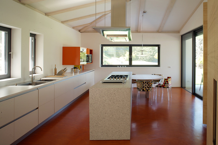 Kitchen by Studio Marastoni,