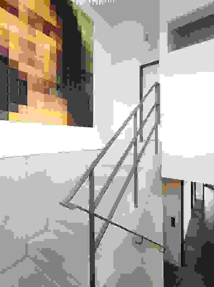 Architekturbüro zwo P Escaleras Concreto Gris