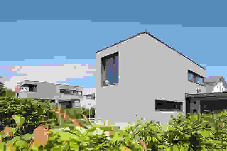 Architekturbüro zwo P Casas unifamiliares Madera Gris